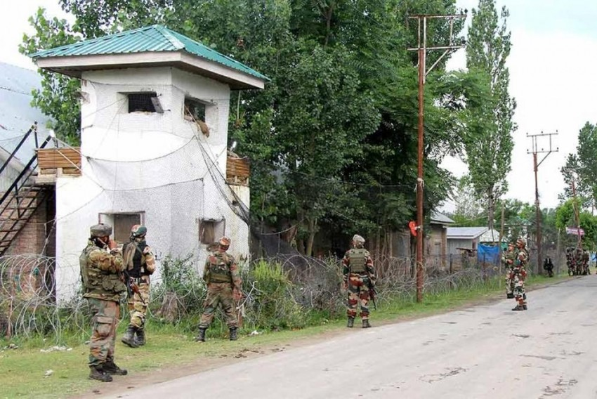 Anantang Encounter: Top LeT Militant Trapped in Security Forces' Cordon, Say Police