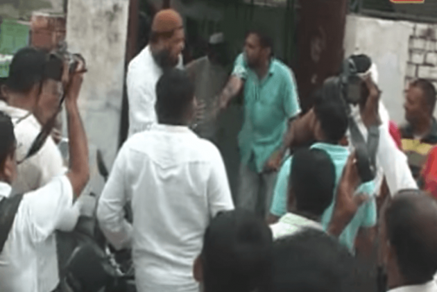 Muslim Man Dragged Out Of Mosque, Forced To Say 'Bharat Mata Ki Jai' Allegedly By Bajrang Dal Activists In Hisar