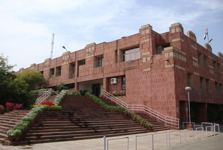 JNU VC Wants A Tank On Campus To Inspire Students, Requests Gen. V.K. Singh To Help Procure It