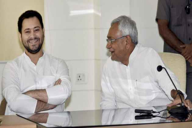 All You Need To Know About The Land-For-Hotel Case That Broke The Lalu-Nitish Tie-Up