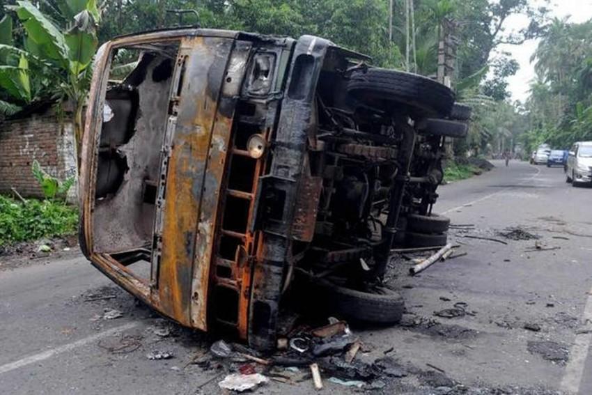 Bengal Riots: Muslims Raise Money To Help Hindu Neighbours Rebuild Their Gutted Shops