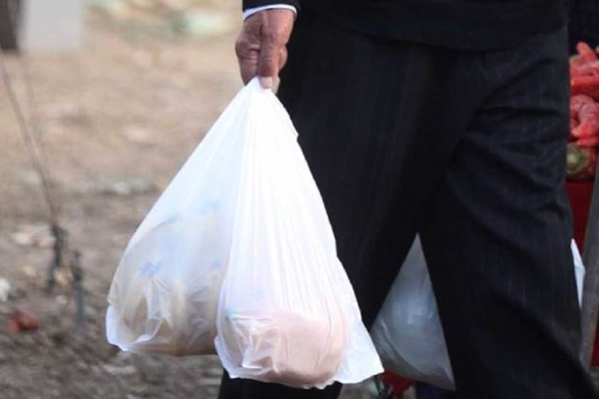NGT Bans Thin Plastic Bags With Thickness Less Than 50 Microns In Delhi, Violation Will Attract Rs 5000 Ban