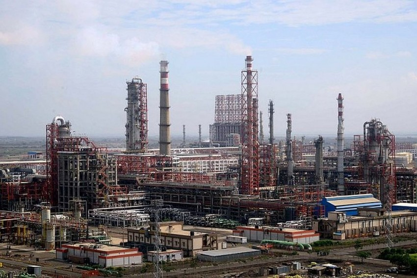 Essar Oil Completes Sale of India Assets to Rosneft for USD 12.9 Bn