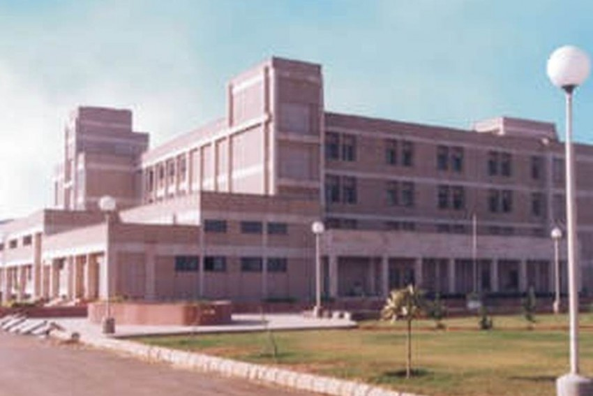 Zero Takers For Madhya Pradesh's Engineering College Offering Courses In 'Shuddh' Hindi