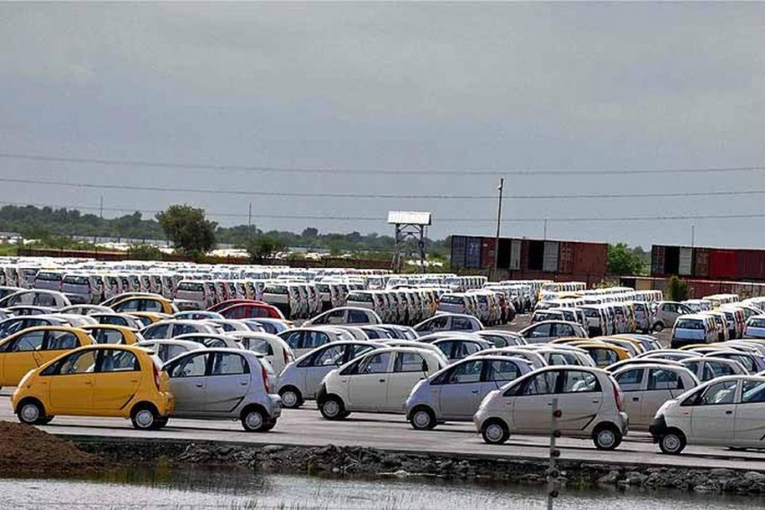 Tata Motors Took Unanimous Decision To Stop Nano, Says Ousted Tata Sons Chairman Mistry