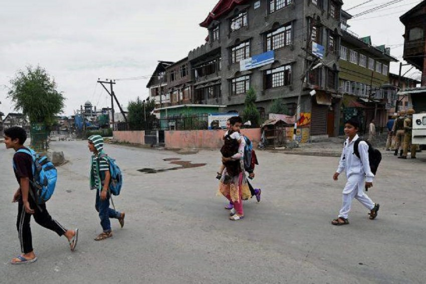 Schools, Colleges To Remain Closed For Next 3 Days In Jammu & Kashmir