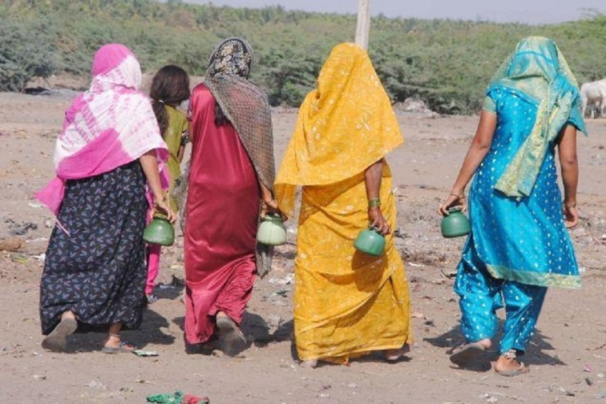 Despite Toilets, Large Number Of People In India Still Defecates In Open: Reports