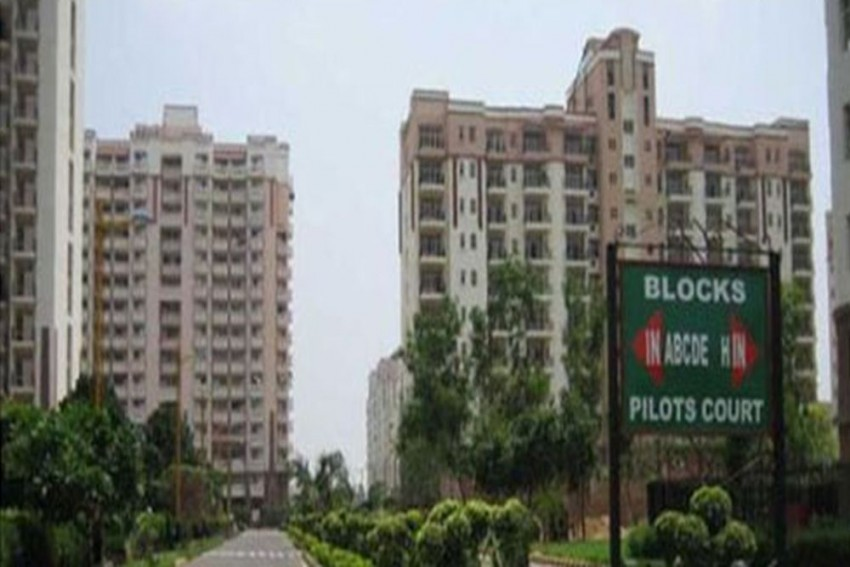 'Khap' In Posh Gurgaon Society: RWA Bans Opposite Sex Visitors, Says Women Tenants 'Support Prostitution'