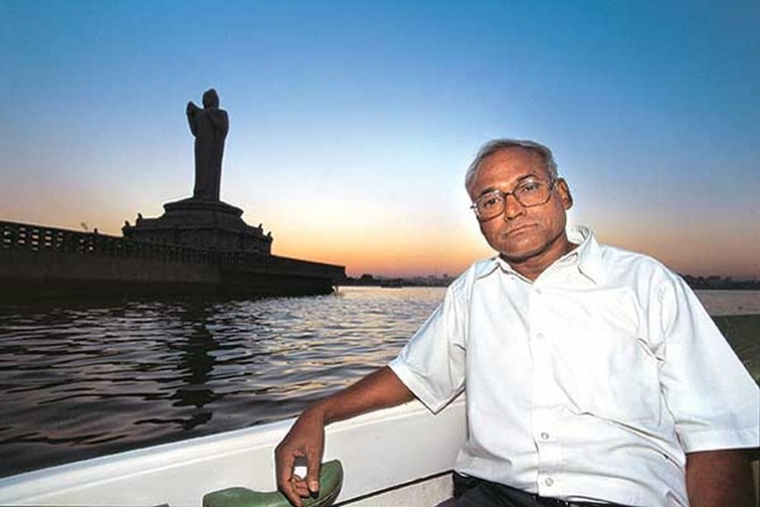 Dalit Writer Kancha Ilaiah Gets Life Threats Over Arya Vysya Book