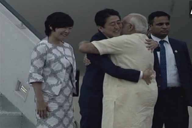 For Modi And Japanese PM Abe, A Rooftop Gujarati Dinner