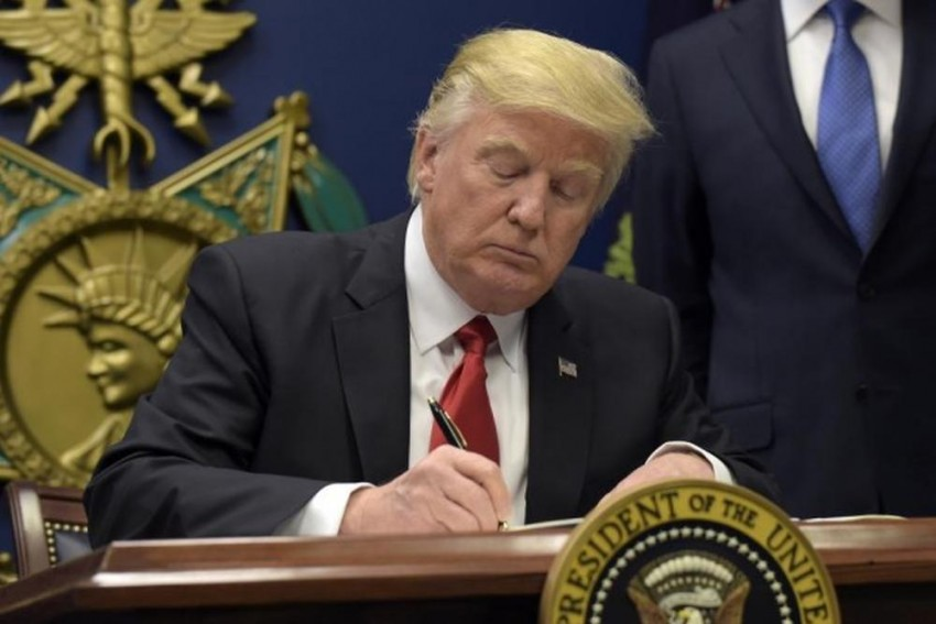 US Supreme Court Allows Trump To Continue Ban On Most Refugees