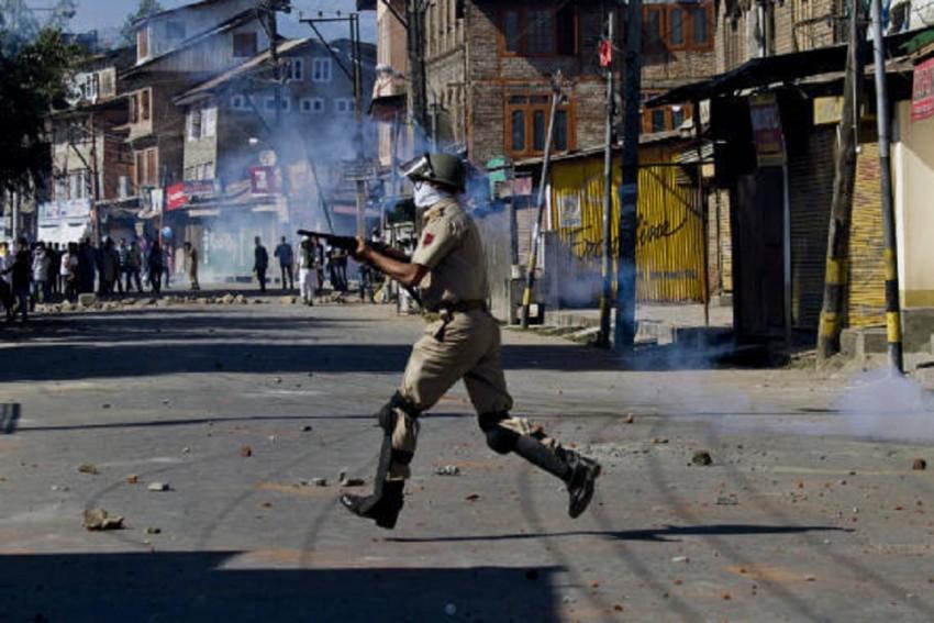 Amnesty International Calls For Complete Ban On Pellet Firing Shotguns In Kashmir