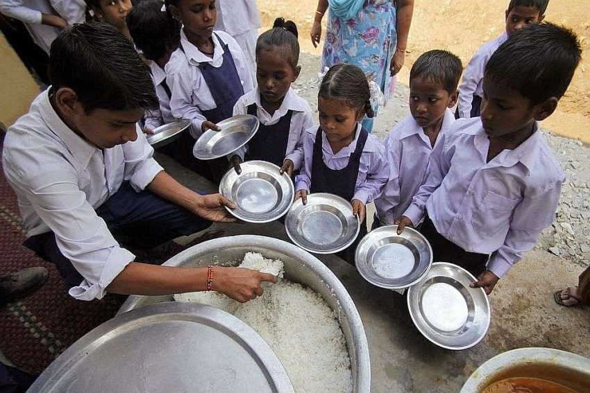 Meerut Police Seize 160 Kg Of Mid-Day Meal Ration Being Fed To Cows In Dairy As Students Go Hungry