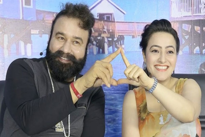 Ram Rahim Didn't Adopt Honeypreet, He Used To Take Her To His Room For Hours: Ex-Husband