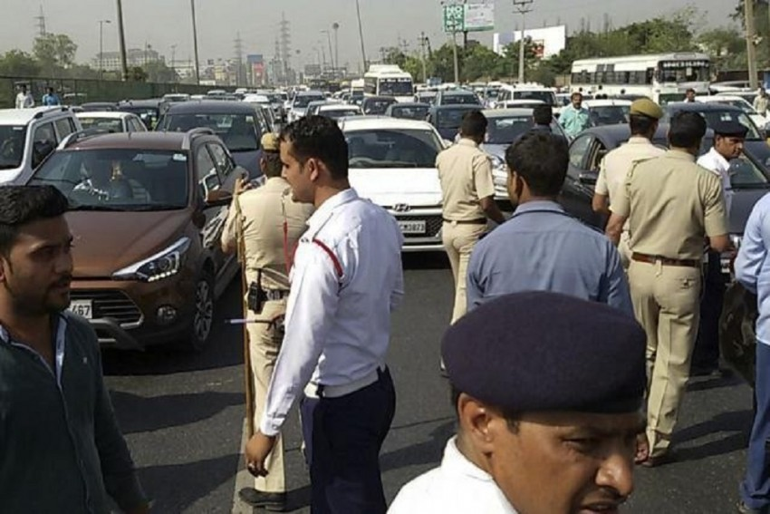 Gurgaon Traffic Police To Impound 15,000 Diesel Vehicles That Are Over 10 Years Old