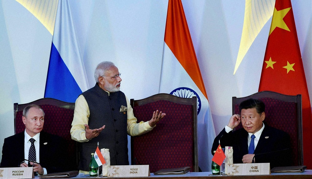 Beijing's Diplomatic Crumbs Shouldn't Con Delhi; Talk, But With Hands On The Holster