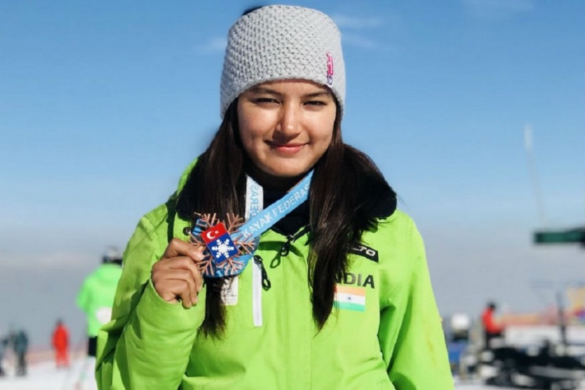 Manali Girl Aanchal Thakur Gives India Its First International Medal In Skiing