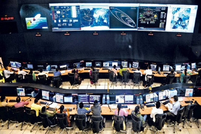 Countdown Begins As ISRO Is Set To Launch It's '100th Satellite' Along With 30 Others In A Single Mission