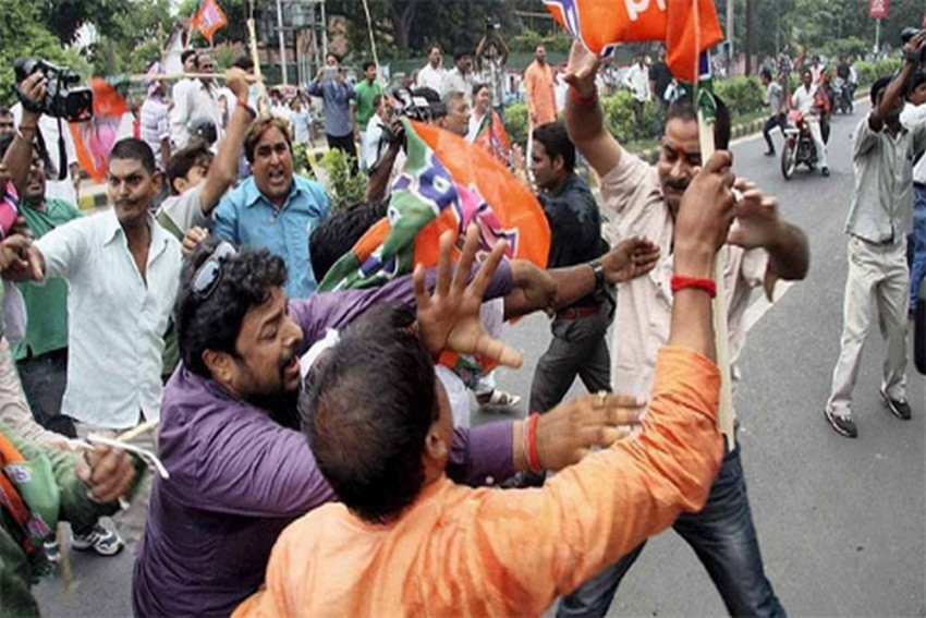 BJP, TMC Workers Clash Twice In Kolkata, Opposition Party Demands President's Rule In West Bengal