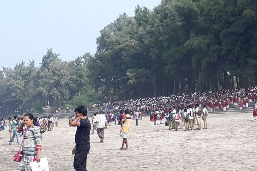 Two Students Drown, 32 Rescued After Boat Capsizes In Maharashtra's Dahanu