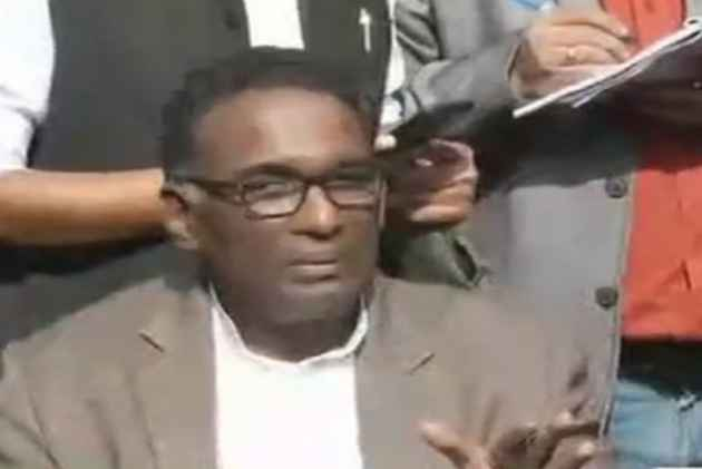 Bar Council Arrives At Justice Chelameswar's Residence