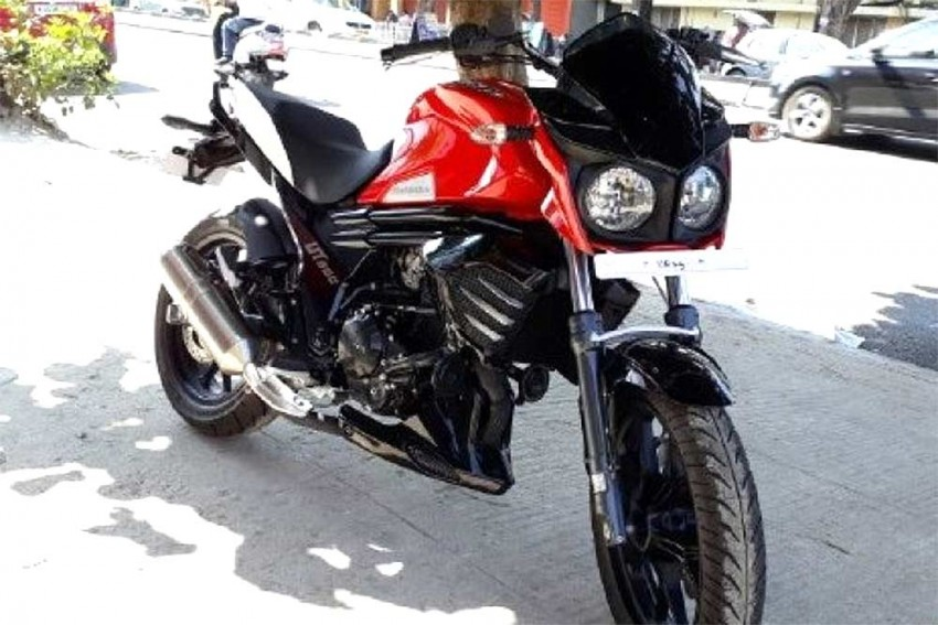 Stripped Down Mahindra Mojo Spied Undisguised