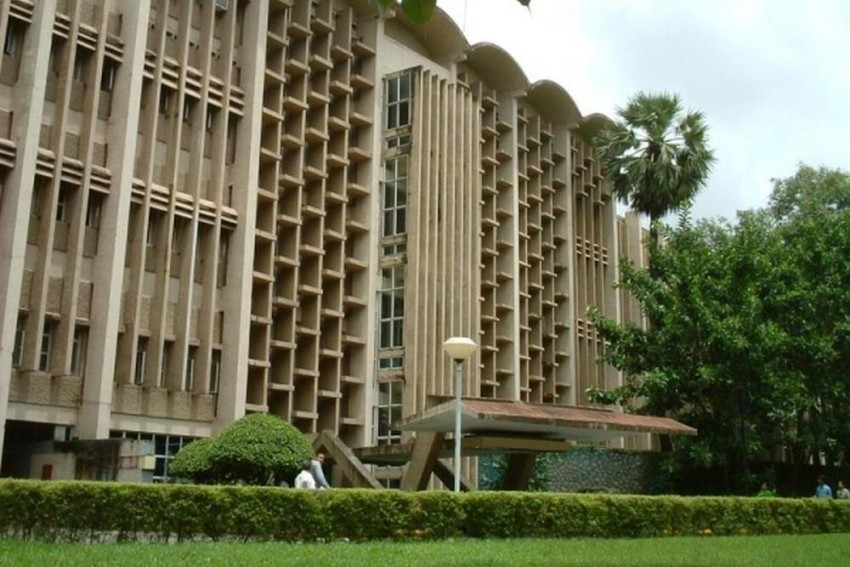 Separate Plates For Non-Vegetarian Students: IIT-Bombay Hostel Circular Stirs Controversy