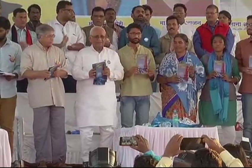 Bhima Koregaon Violence: Dalit Leader Prakash Ambedkar Calls For Maharasthra Bandh Tomorrow