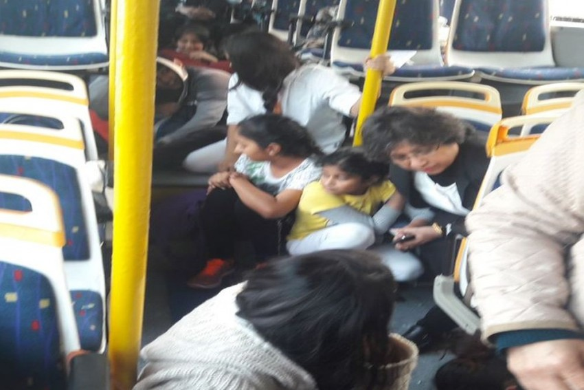 Children Crying As GD Goenka School Bus Attacked With Stones By Mob In Gurugram In Protest Against 'Padmaavat'