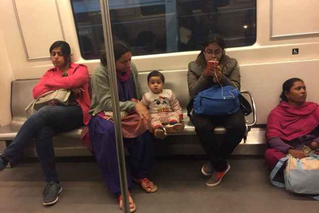 The Other Side Of The Viral Metro Picture