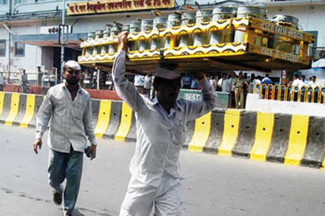 Bhima-Koregaon Violence: Fearing Law And Order Issues, Mumbai Dabbawala Association Decides Not To Runs Its Delivery Service