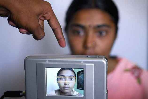 UIDAI Registers FIR Against Tribune Reporter Over Aadhaar Data Breach Report