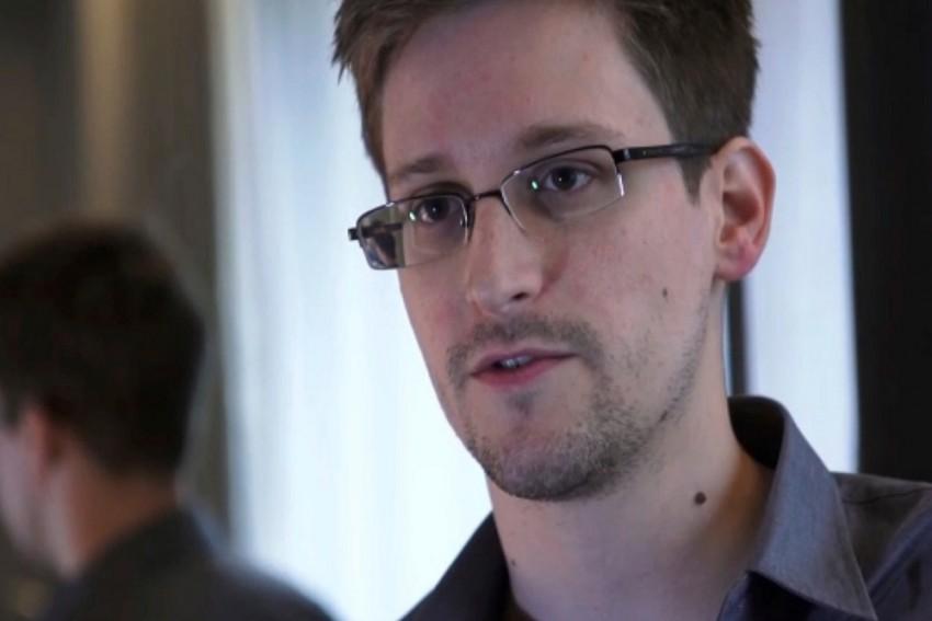 Aadhaar Expose: Edward Snowden Praises Tribune Journalist, Says UIDAI Officials Should Be Arrested