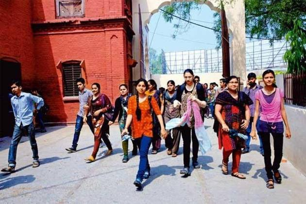 In MP, Girls Above 10 Years Of Age Asked To Avoid Jeans, Top