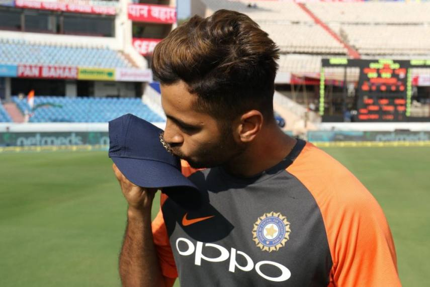 Ind Vs Wi 2nd Test Injured Shardul Thakur Leaves Field After Bowling Just 10 Deliveries