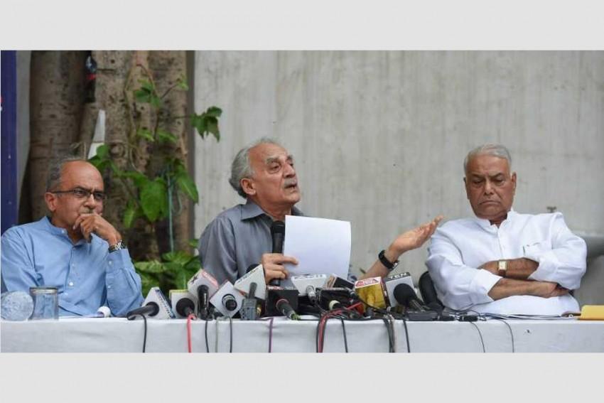 Yashwant Sinha, Arun Shourie, Prashant Bhushan Move SC Seeking FIR In Rafale Deal