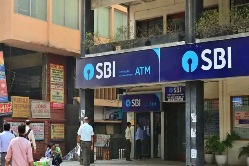 Starting Tomorrow SBI To Reduce Daily Cash Withdrawal Limit To Rs 20,000