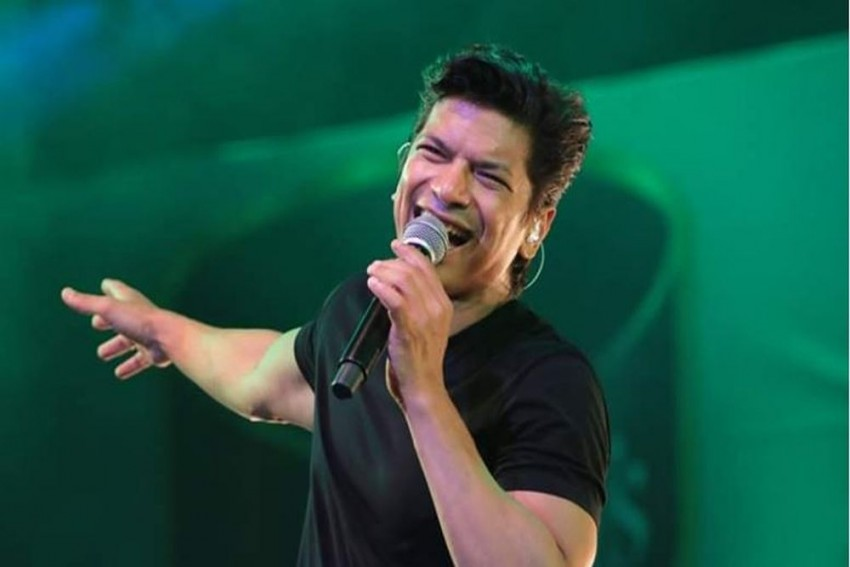 Singer Shaan Denies Stones Pelted At Him For Singing Bengali Song In Guwahati