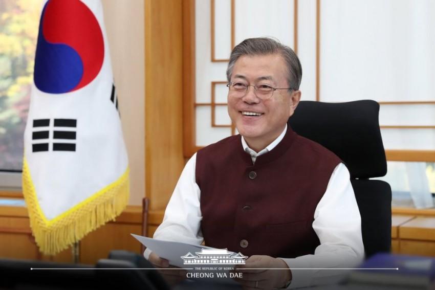 'Fit Perfectly', Says South Korean President Moon As PM Modi Gifts Him 'Modi Jackets'