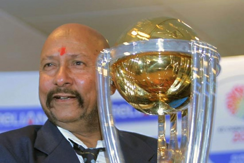 MS Dhoni's Wicket-Keeping Style Should Not Be Aped By Youngsters: Syed Kirmani