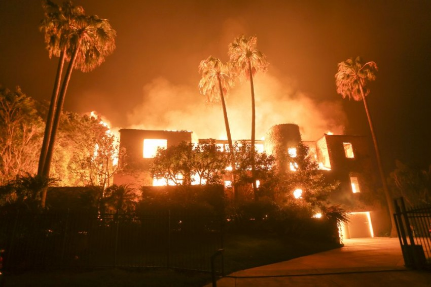 Hollywood Celebs Evacuate Homes As California Wildfire Rages Stronger