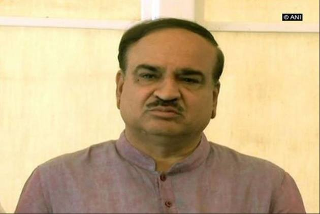 'Tributes To The Departed': Leaders Condole Demise Of Union Minister Ananth Kumar