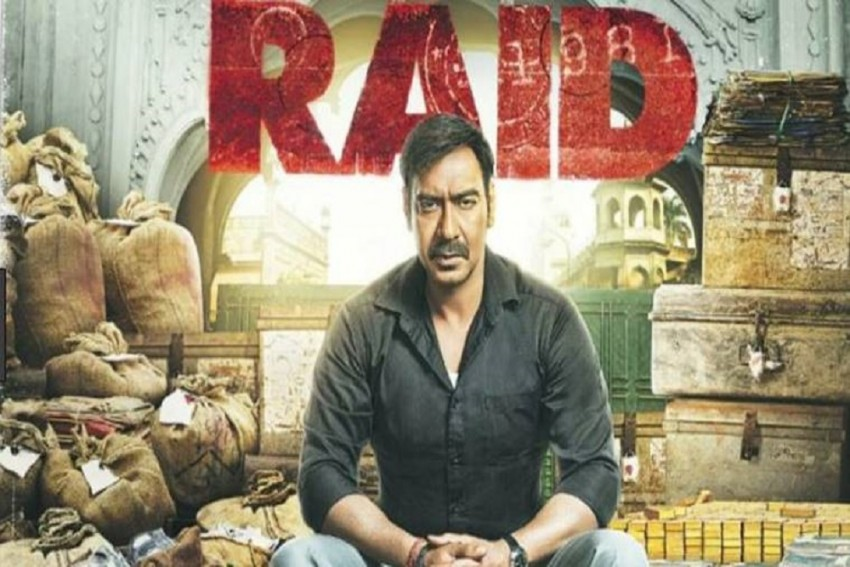 Ajay Devgn Bags Best Foreign Actor Award For 'Raid' At The Chinese Film Festival
