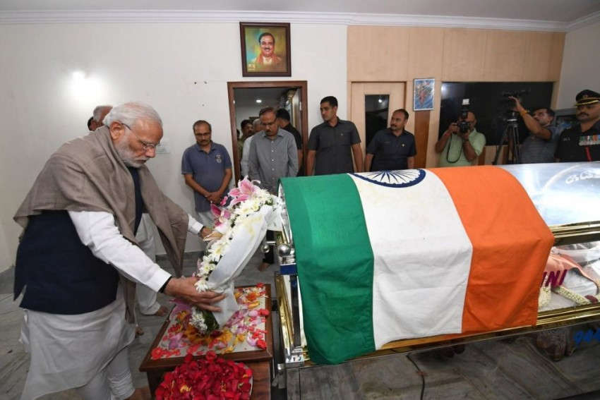Leaders, Supporters Pay Last Respect To Ananth Kumar; State Funeral In Bengaluru Today