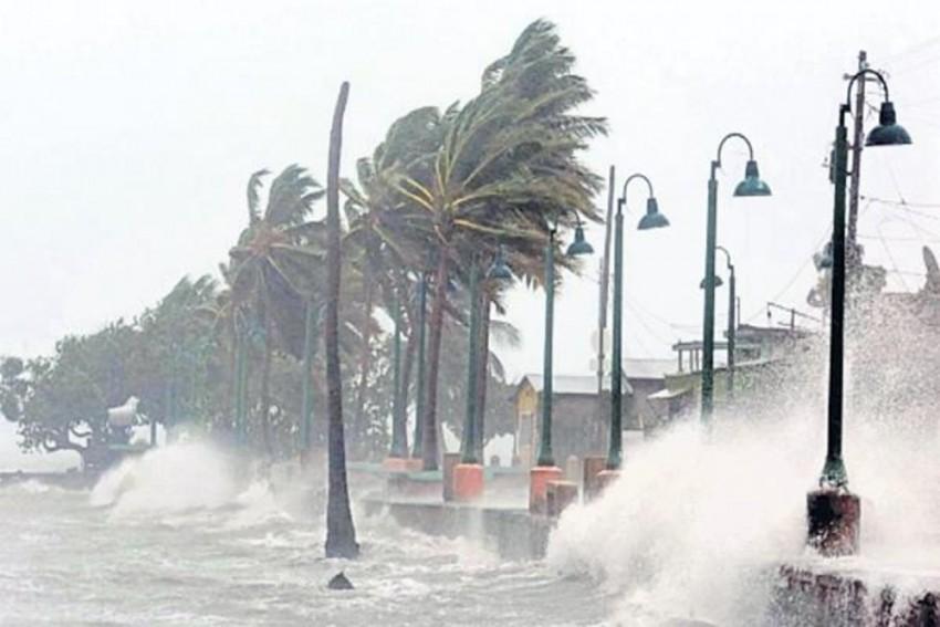 Cyclone Gaja Set To Hit Tamil Nadu Today, Schools To Stay Shut; Indian Navy On High Alert