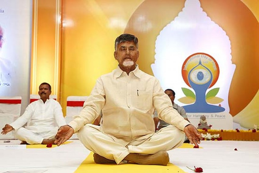 Naidu Goes On Offensive, Bars CBI From Entering Into Andhra Pradesh Without Consent