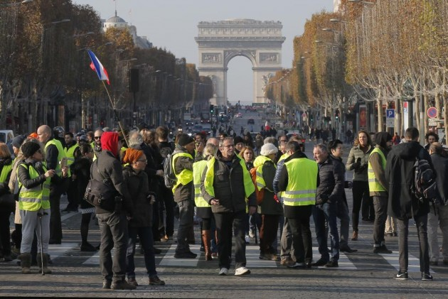 1 Killed, Dozens Injured In French Fuel Taxes Protests