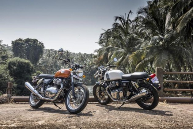 All The Glorious Colours Of The Royal Enfield Twins Explained