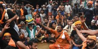 Sabarimala Row: BJP, RSS Protest Outside Kerala CM's House Against Detention Of Devotees