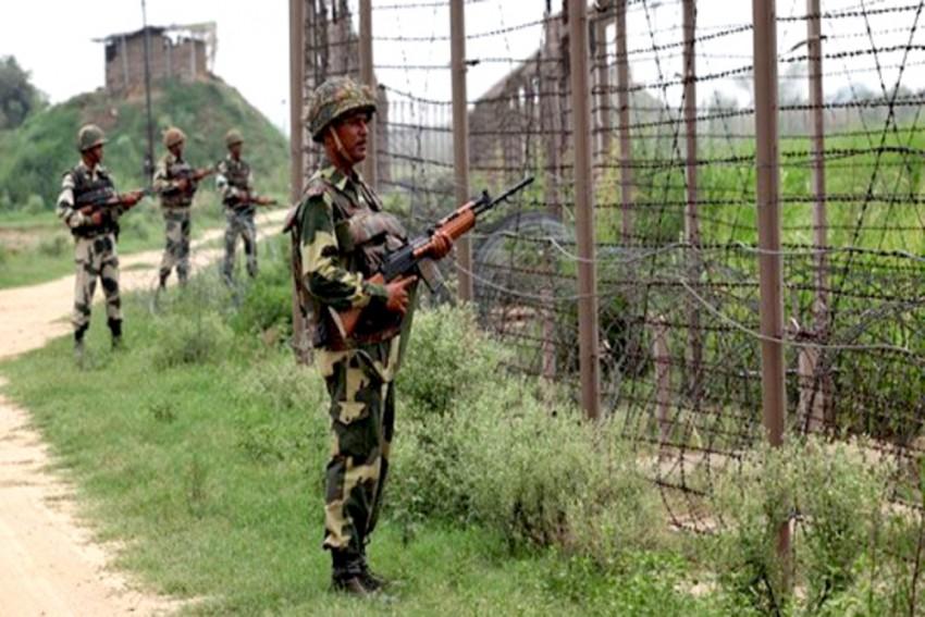 Jawan Killed, 4 Terrorists Shot Dead In Encounter In Jammu And Kashmir's Shopian